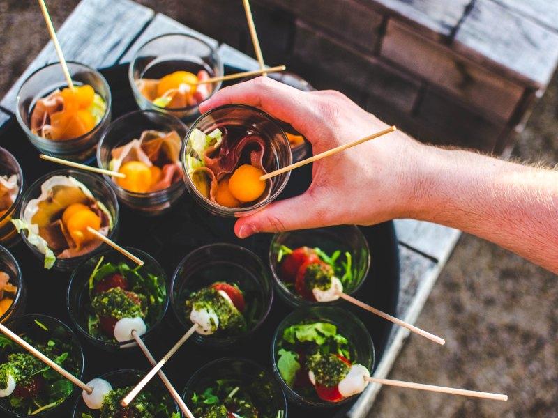 Τα πλεονεκτήματα συνεργασίας με μια εταιρεία catering